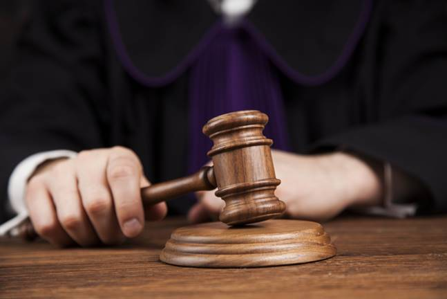 criminal charges represent yourself in court